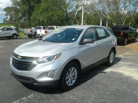 Silver Ice Metallic Chevrolet Equinox LS.  Click to enlarge.