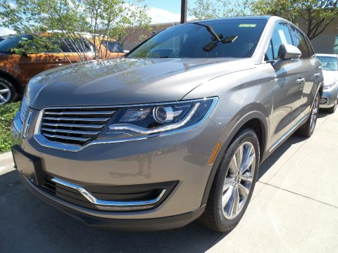 Luxe Silver Lincoln MKX Reserve AWD.  Click to enlarge.