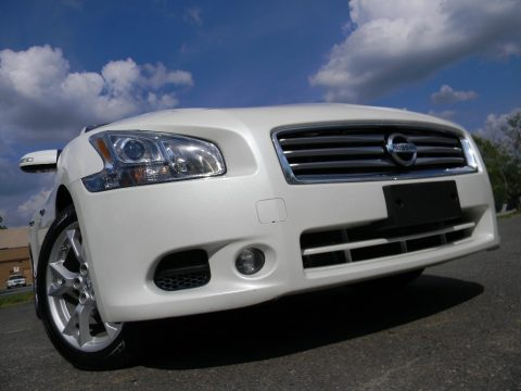 Pearl White Nissan Maxima 3.5 SV Premium.  Click to enlarge.