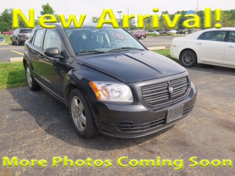 Brilliant Black Crystal Pearl Dodge Caliber SE.  Click to enlarge.