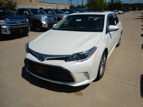 Blizzard White Pearl Toyota Avalon Hybrid Limited.  Click to enlarge.