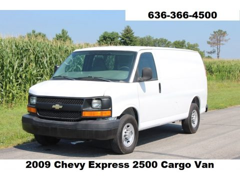 Summit White Chevrolet Express 2500 Cargo Van.  Click to enlarge.