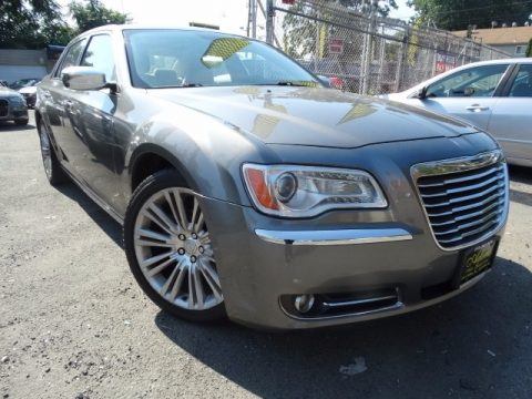 Cashmere Pearl Chrysler 300 Limited.  Click to enlarge.