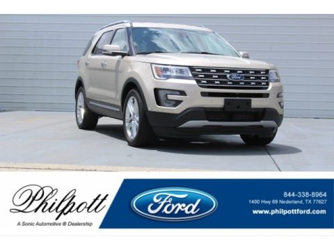 White Gold Ford Explorer Limited.  Click to enlarge.