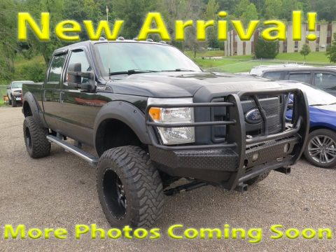 Tuxedo Black Metallic Ford F250 Super Duty XL Crew Cab 4x4.  Click to enlarge.