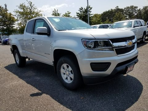 Silver Ice Metallic Chevrolet Colorado WT Extended Cab.  Click to enlarge.