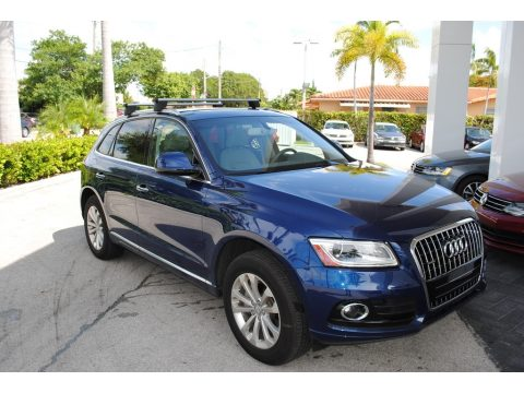 Scuba Blue Metallic Audi Q5 2.0 TFSI Premium quattro.  Click to enlarge.