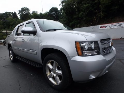 Silver Ice Metallic Chevrolet Avalanche LS 4x4.  Click to enlarge.