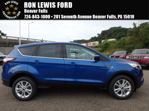 Lightning Blue Ford Escape SE 4WD.  Click to enlarge.