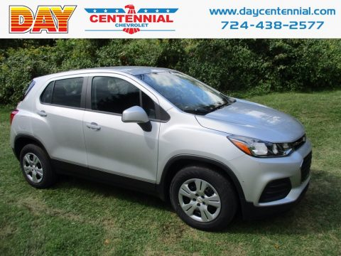 Silver Ice Metallic Chevrolet Trax LS.  Click to enlarge.