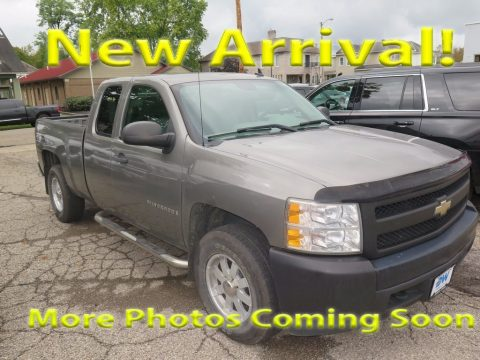 Graystone Metallic Chevrolet Silverado 1500 LT Extended Cab 4x4.  Click to enlarge.