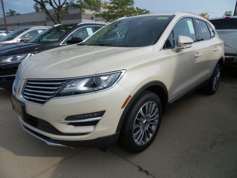 Ivory Pearl Lincoln MKC Reserve AWD.  Click to enlarge.