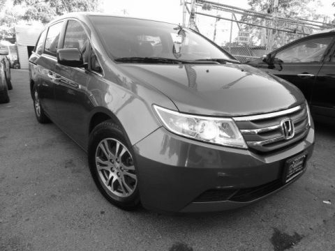 Polished Metal Metallic Honda Odyssey EX-L.  Click to enlarge.