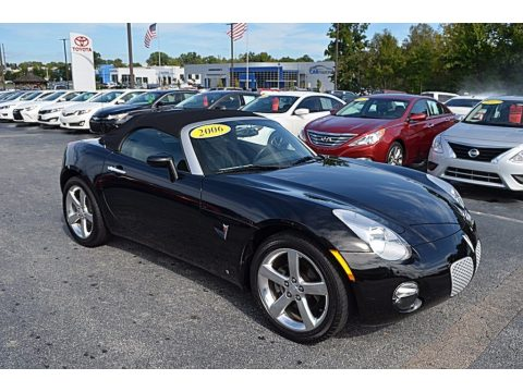 Mysterious Black Pontiac Solstice Roadster.  Click to enlarge.