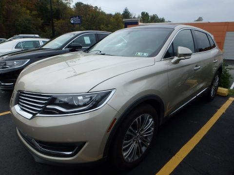 Palladium White Gold Lincoln MKX Reserve AWD.  Click to enlarge.