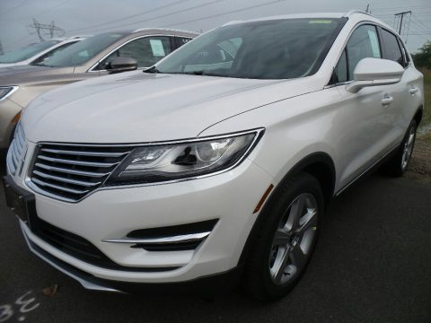 White Platinum Lincoln MKC Premier.  Click to enlarge.