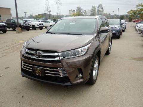 Toasted Walnut Pearl Toyota Highlander Limited AWD.  Click to enlarge.