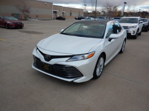 Wind Chill Pearl Toyota Camry XLE.  Click to enlarge.