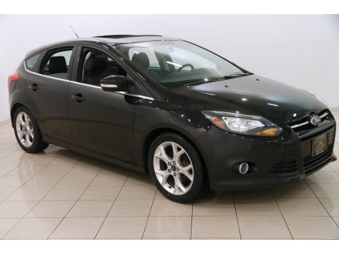 Tuxedo Black Ford Focus Titanium Hatchback.  Click to enlarge.