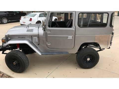 Silver Toyota Land Cruiser FJ40.  Click to enlarge.