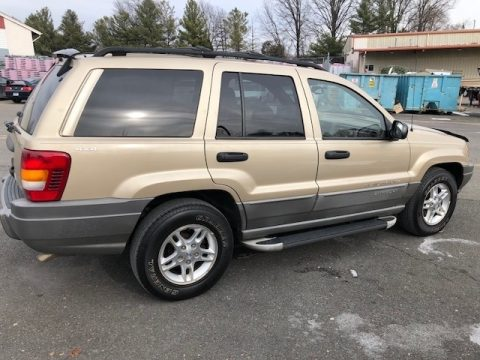 Champagne Pearlcoat Jeep Grand Cherokee Laredo 4x4.  Click to enlarge.