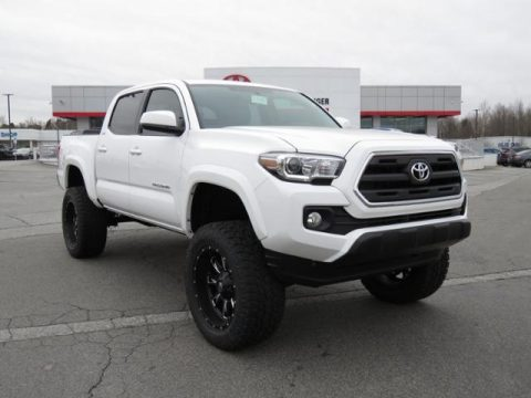 Super White Toyota Tacoma SR5 Double Cab 4x4.  Click to enlarge.