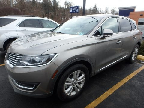 Luxe Silver Lincoln MKX Premier AWD.  Click to enlarge.