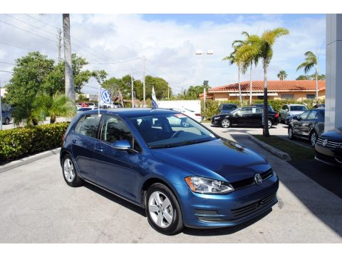 Volkswagen Golf 4 Door 1.8T Wolfsburg