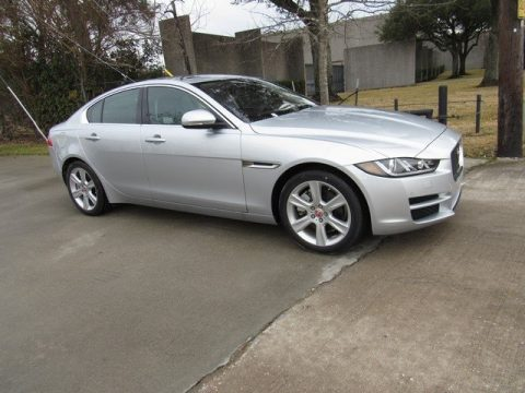 Rhodium Silver Jaguar XE 25t Prestige.  Click to enlarge.