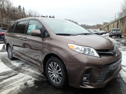 Toasted Walnut Pearl Toyota Sienna XLE.  Click to enlarge.