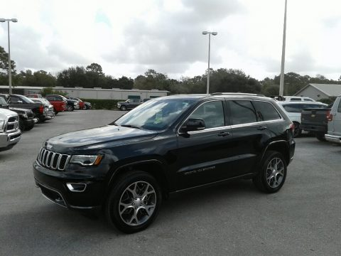 Diamond Black Crystal Pearl Jeep Grand Cherokee Sterling Edition.  Click to enlarge.