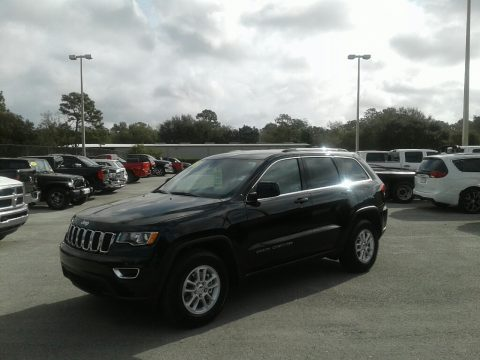 Diamond Black Crystal Pearl Jeep Grand Cherokee Laredo.  Click to enlarge.