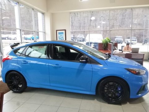 Nitrous Blue Ford Focus RS Hatch.  Click to enlarge.