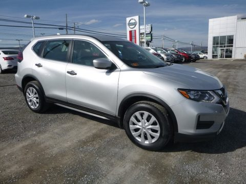 Brilliant Silver Nissan Rogue S AWD.  Click to enlarge.
