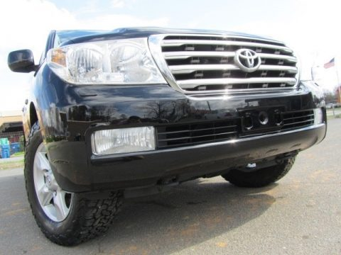 Black Toyota Land Cruiser .  Click to enlarge.