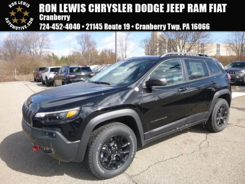 Diamond Black Crystal Pearl Jeep Cherokee Trailhawk Elite 4x4.  Click to enlarge.