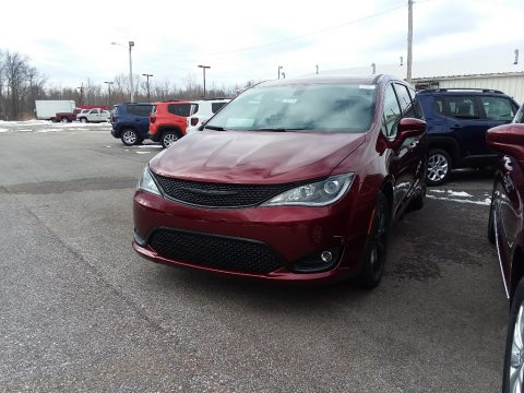 Velvet Red Pearl Chrysler Pacifica Touring Plus.  Click to enlarge.