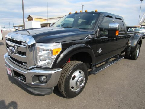 Tuxedo Black Ford F350 Super Duty Lariat Crew Cab 4x4 Dually.  Click to enlarge.