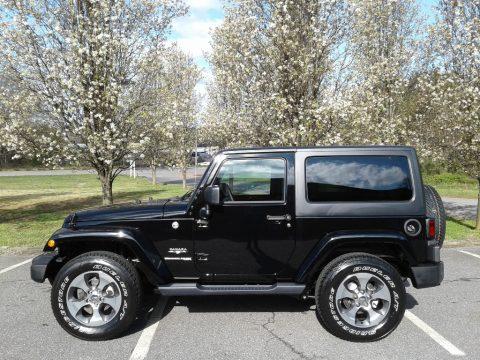 Black Jeep Wrangler Sahara 4x4.  Click to enlarge.