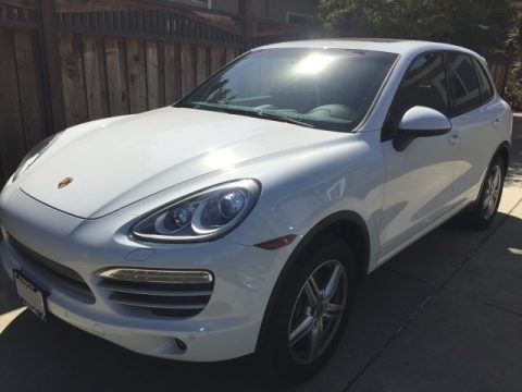 White Porsche Cayenne .  Click to enlarge.