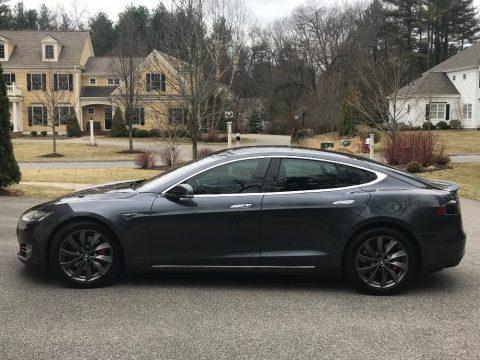 Midnight Silver Metallic Tesla Model S P90D.  Click to enlarge.
