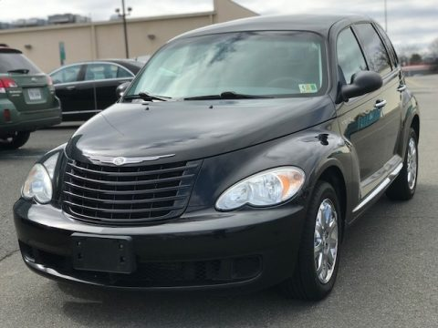 Brilliant Black Crystal Pearl Chrysler PT Cruiser LX.  Click to enlarge.