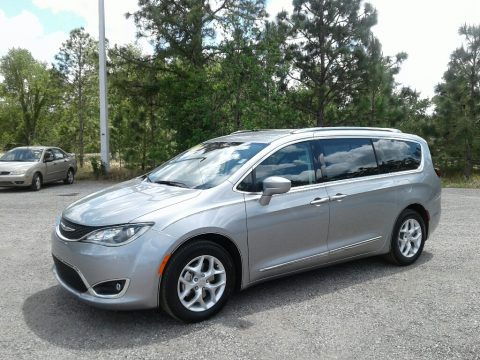 Billet Silver Metallic Chrysler Pacifica Touring L.  Click to enlarge.