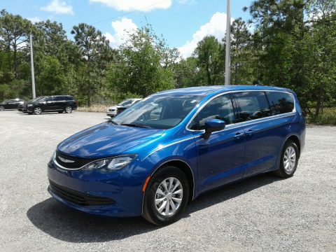 Jazz Blue Pearl Chrysler Pacifica Touring L.  Click to enlarge.