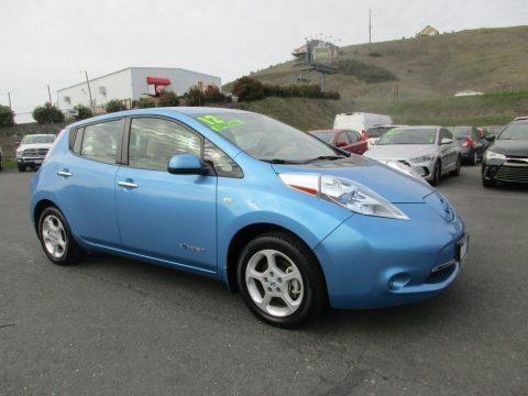 Blue Ocean Nissan LEAF SL.  Click to enlarge.