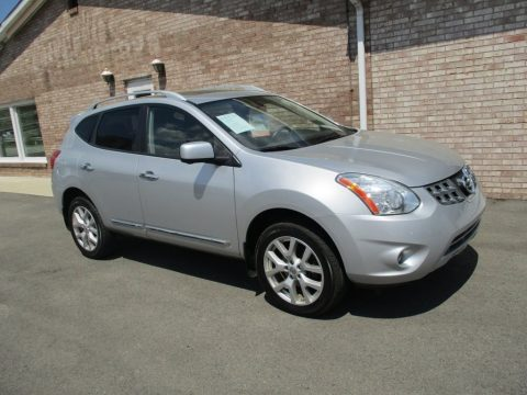 Brilliant Silver Nissan Rogue SL AWD.  Click to enlarge.