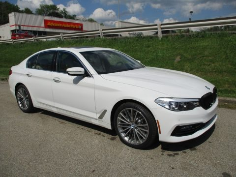 Alpine White BMW 5 Series 540i xDrive Sedan.  Click to enlarge.