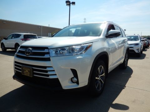 Blizzard White Pearl Toyota Highlander XLE AWD.  Click to enlarge.