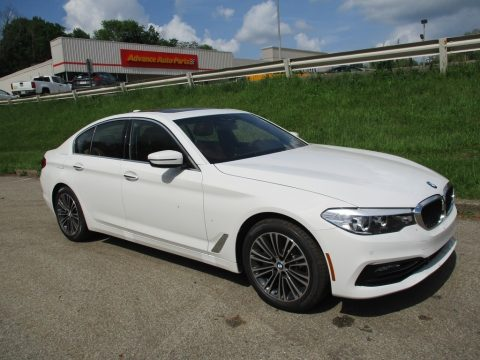 Alpine White BMW 5 Series 530i xDrive Sedan.  Click to enlarge.