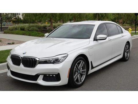 Mineral White Metallic BMW 7 Series 740e iPerformance xDrive Sedan.  Click to enlarge.